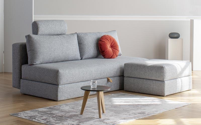 Sof s cama de dise o con patas de madera y diversos for Sofa exterior plegable