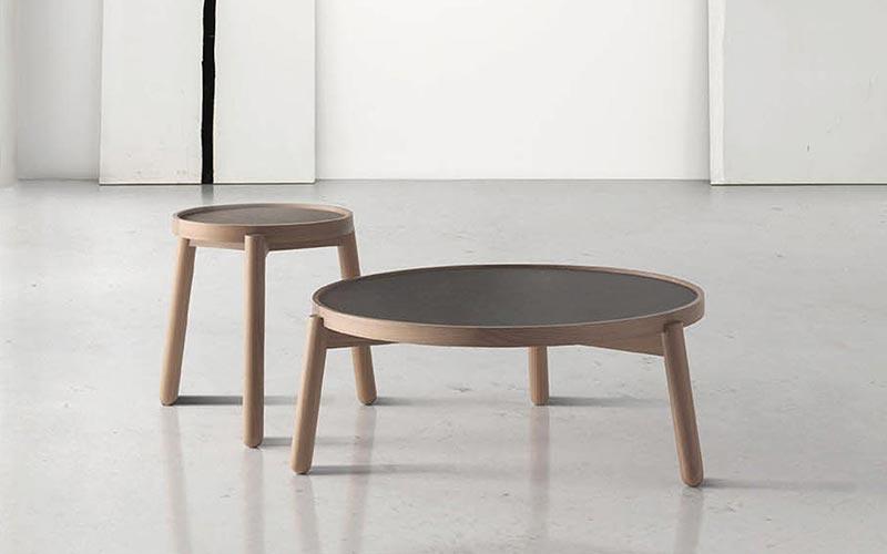 Mesas auxiliares para sofa finest mesa de hierro lato - Mesa auxiliar sofa ikea ...