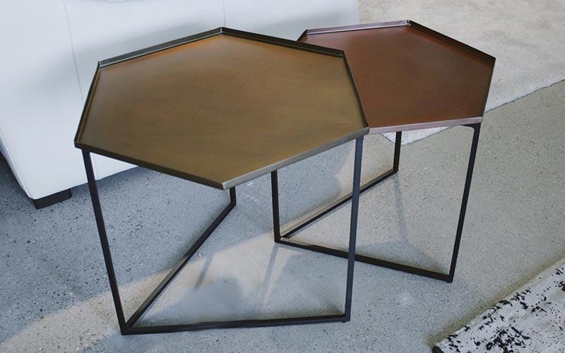Mesas y mesitas auxiliares de dise o para el lado del sof ismoble - Mesita auxiliar sofa ...
